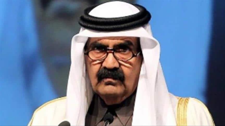 """""""شاهد"""" مقابلة نادرة قبل 25 عاما لأمير قطر الوالد حمد بن خليفة وهذا ما قاله عن السعودية والبحرين"""