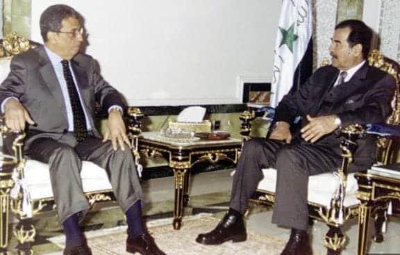 صدام حسين وعمرو موسى