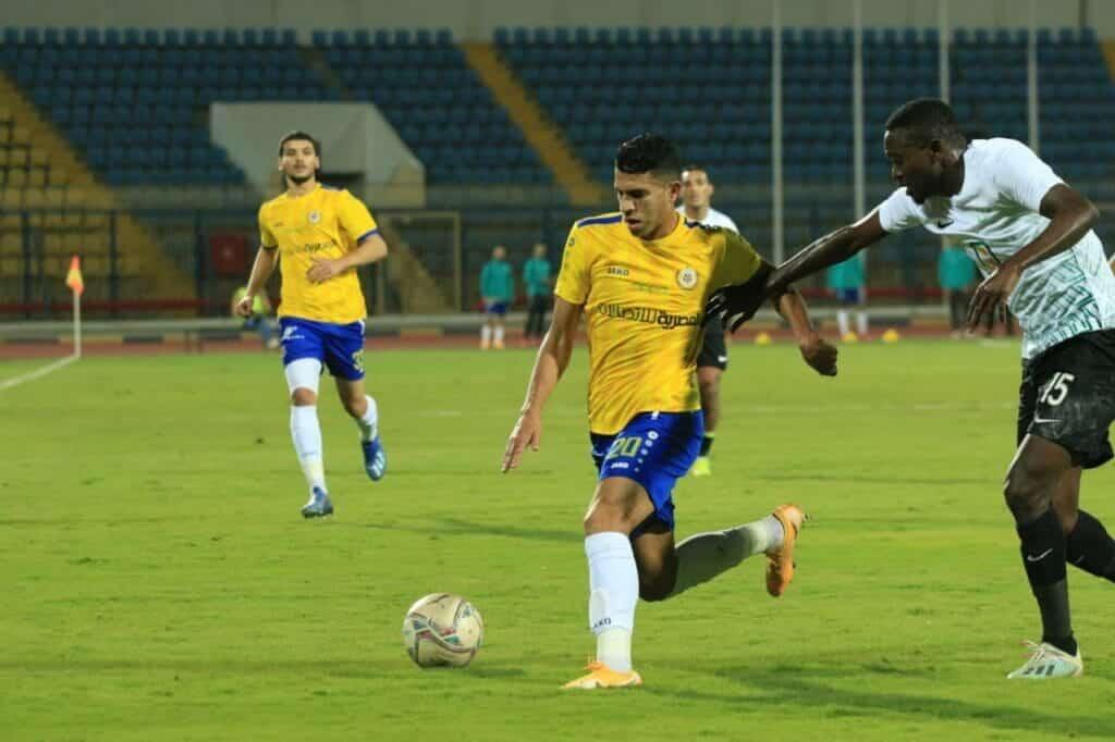 فريق الإسماعيلي المصري والبنك الأهلي في الدوري المصري الممتاز