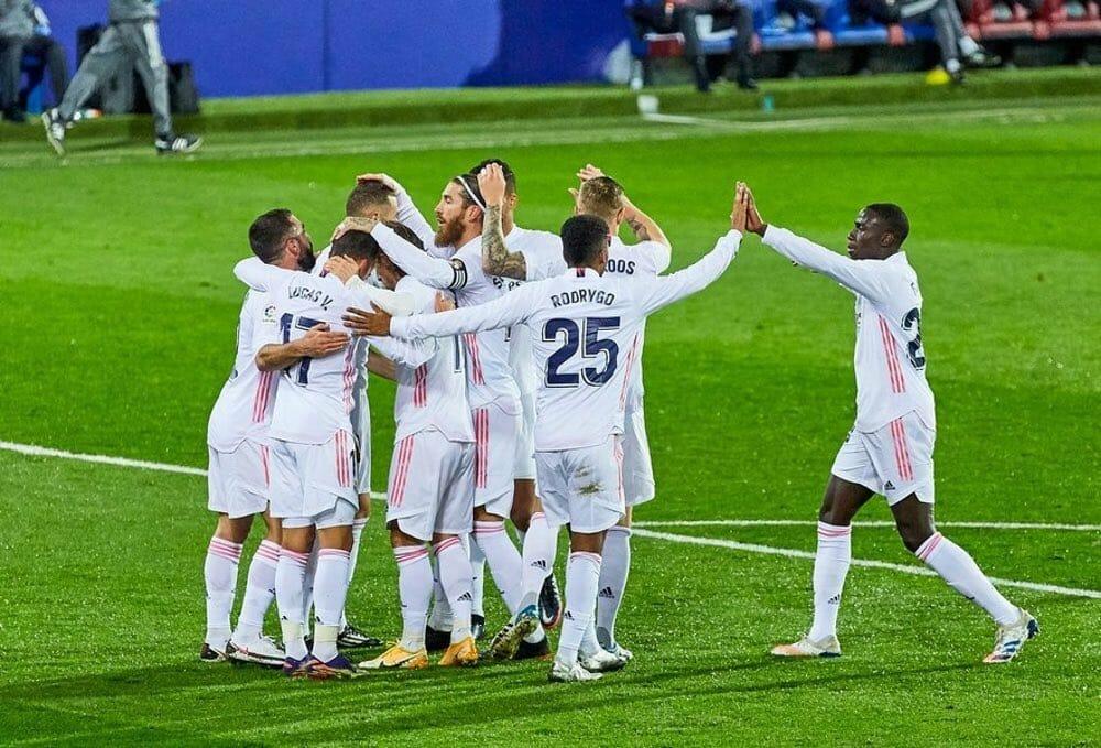 فريق نادي ريال مدريد الإسباني