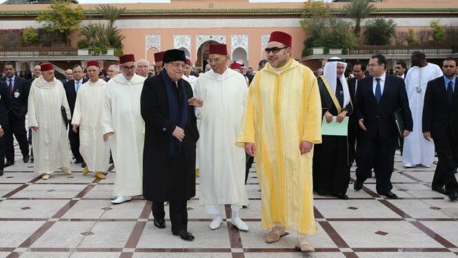 """""""أمير المؤمنين"""" خلع سرواله ويستغفل الرأي العام.. حاول تجميل فعلته بمكالمة مع عباس وجلب العار للمغاربة"""