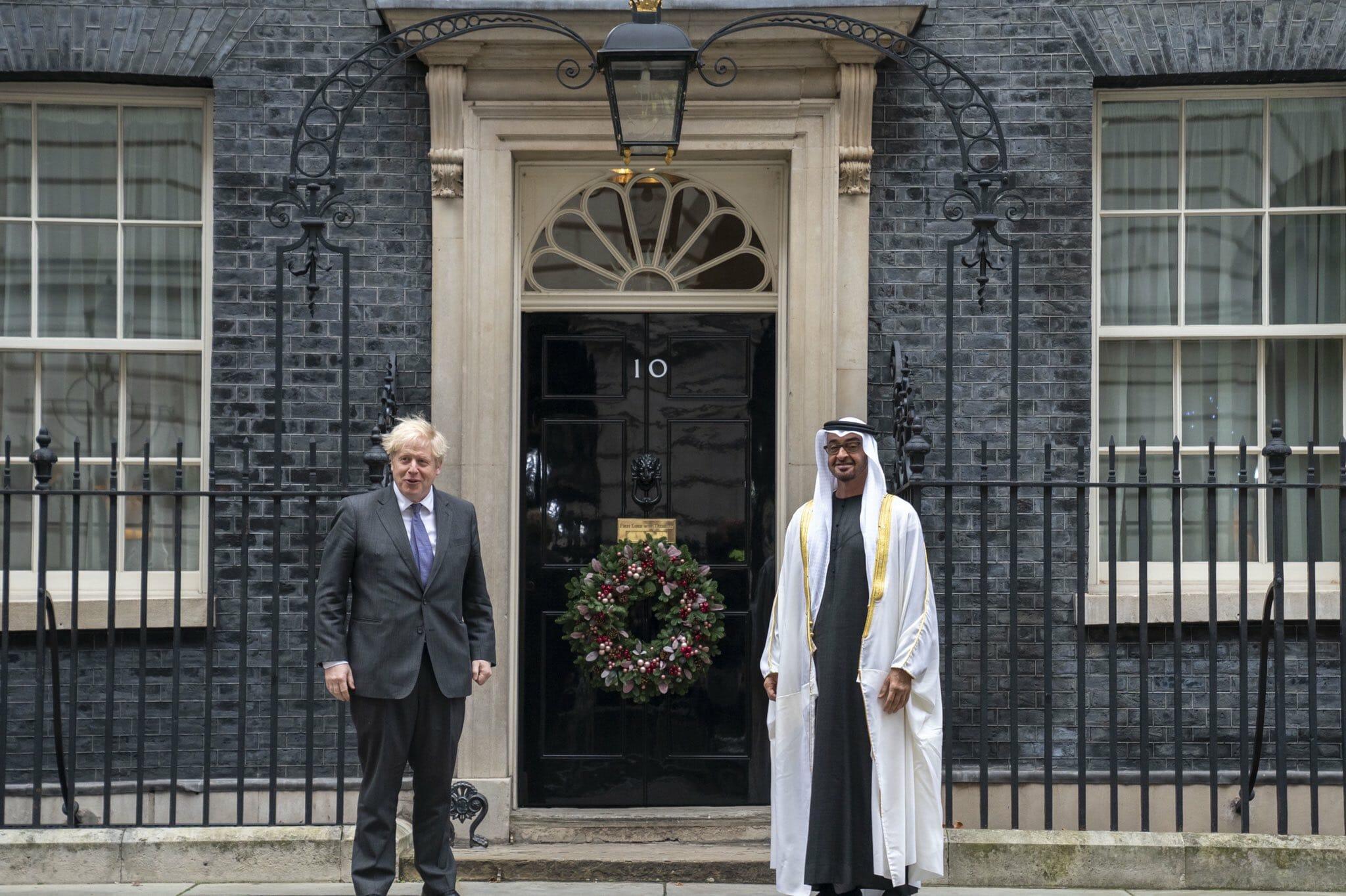 محمد بن زايد يلتقي سراً بوريس جونسون رئيس وزراء بريطانيا