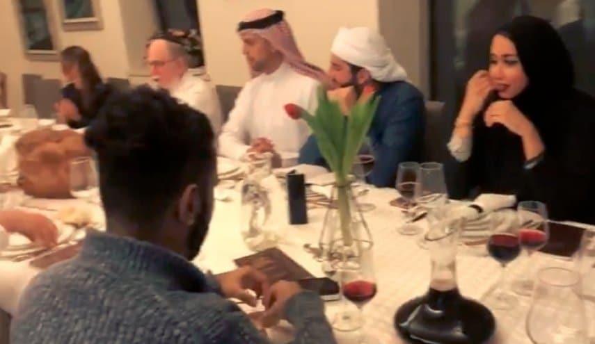وجبة السبت اماراتيين وبحريين على موائد الاسرائيليين-