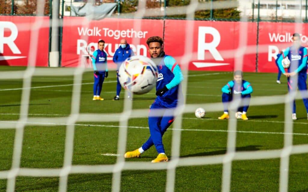 استعدادات فريق برشلونة لمواجهه منافسه إلتشي في الدوري الإسباني