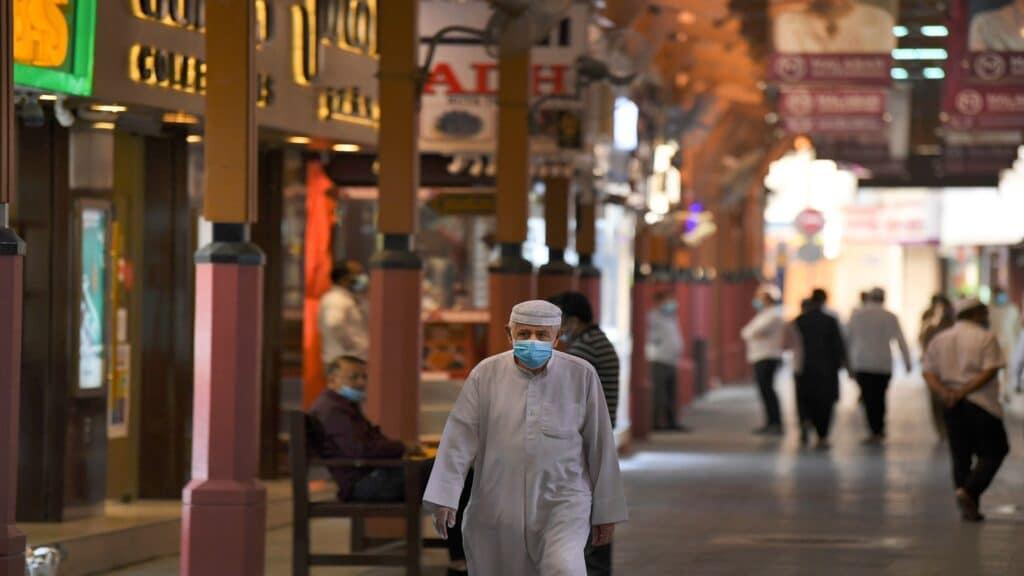 استهتار دبي مع تفشي فيروس كورونا