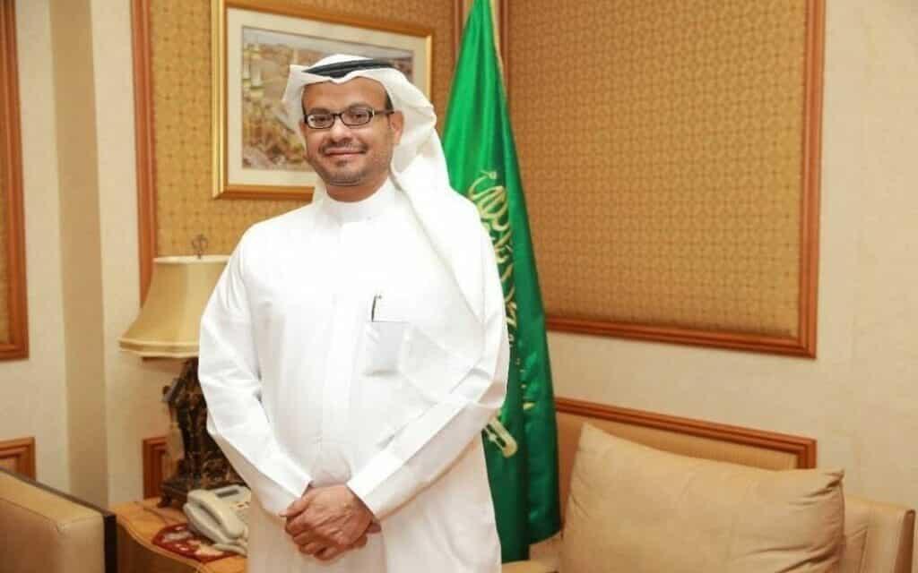 السلطان هيثم بن طارق يكرم السفير السعودي السابق لدى سلطنة عمان عيد بن محمد بن الثقفي