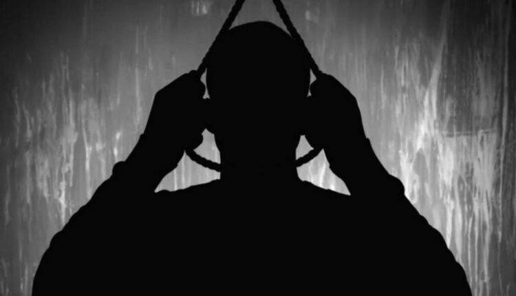 انباء عن محاولة شاب من البدون الإنتحار في مخفر الصليبية