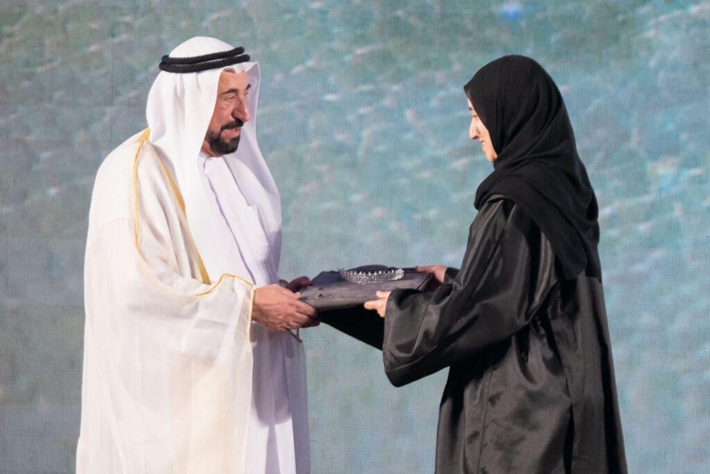 القواسم يرفضون سياسة الإمارات وزوجة حاكم الشارقة وابنته أحرجتا ابن زايد بتضامنهن مع الفلسطينيين