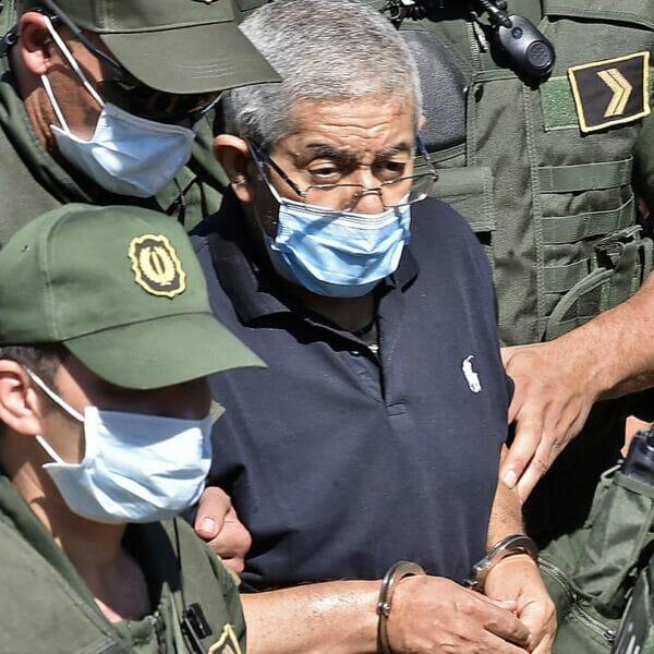 رئيس الوزراء الجزائري الأسبق أحمد أويحيى يعترف بتلقي سبائك ذهب من أمراء في الخليج