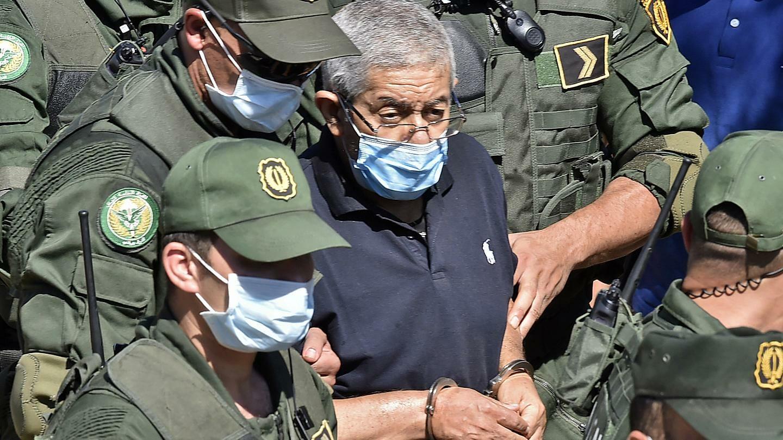 شاهد فضيحة رئيس الحكومة الجزائري الأسبق مع امراء في الخليج!