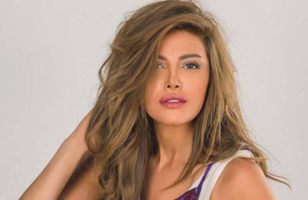 قبلة ريهام حجاج تثير ضجة واسعة