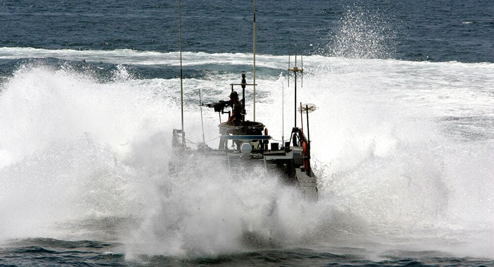 زوارق عسكرية بحرينية تخترق المياه الإقليمية لدولة قطر