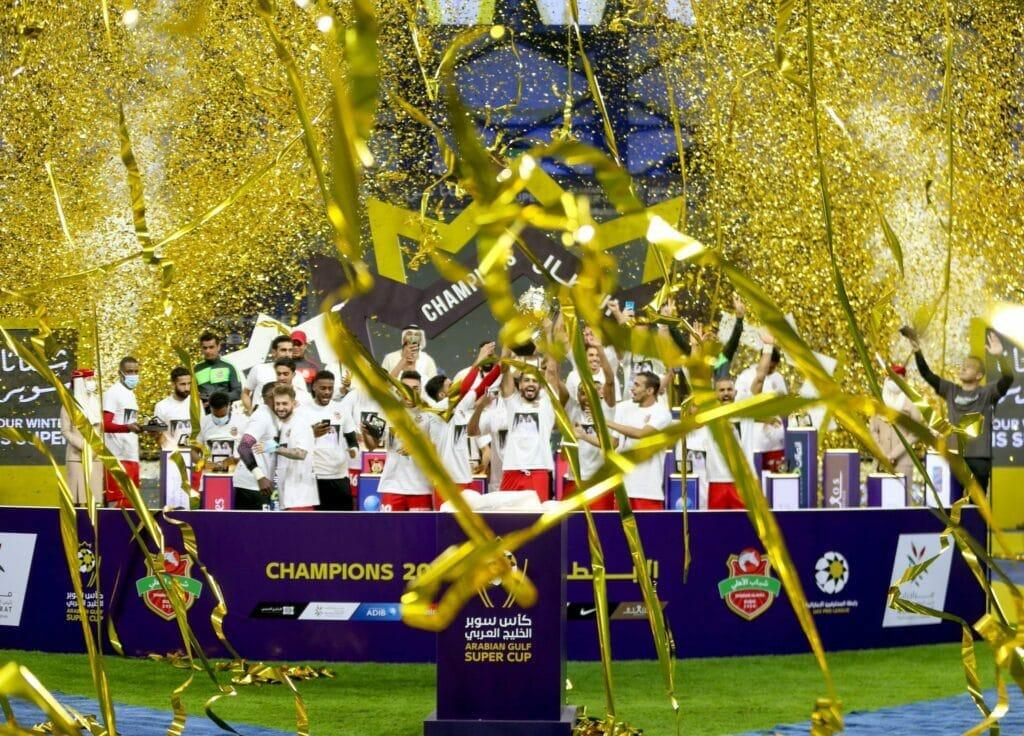 شباب الأهلي يتوج بكأس سوبر الخليج العربي الإماراتي