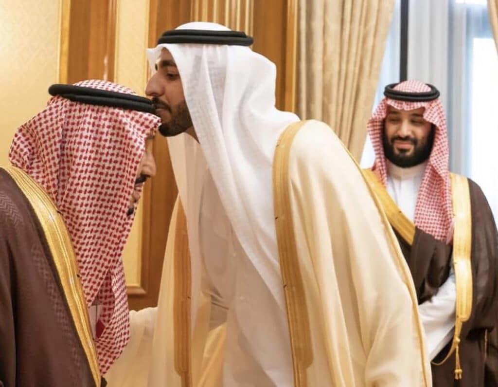 سفير الإمارات شخبوط بن نهيان آل نهيان يغادر السعودية
