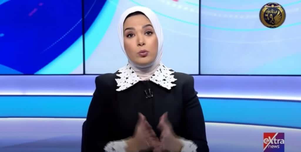 وفاة رئيس شركة مصر للطيران على الهواء والمذيعة تتعرض لأصعب موقف في حياتها!