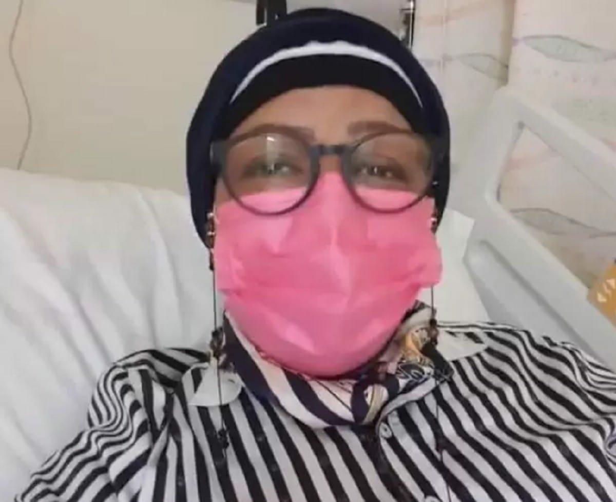 فخرية خميس أزالت الثديين بالكامل بسبب السرطان