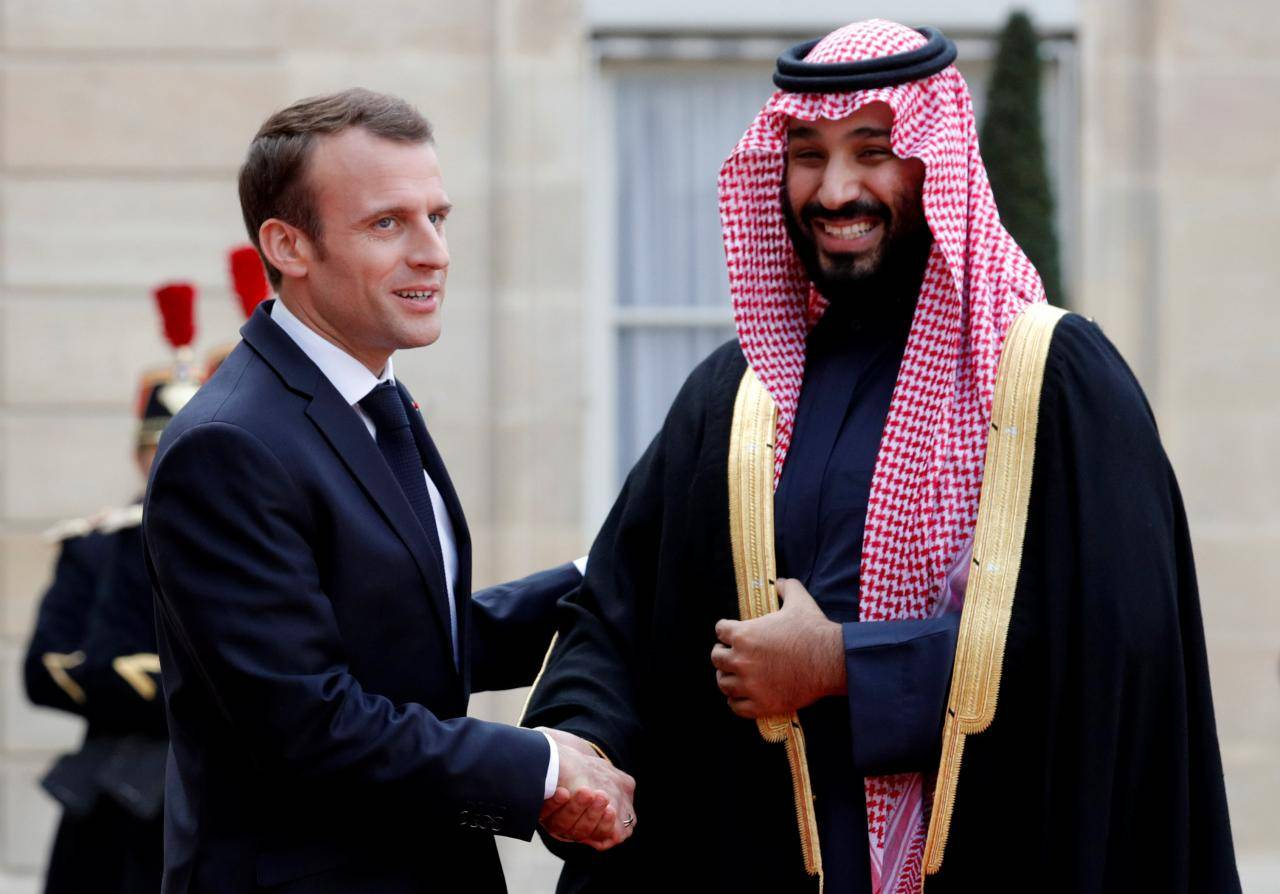 ماكرون يطلب من محمد بن سلمان دعم لبنان وعدم تركه