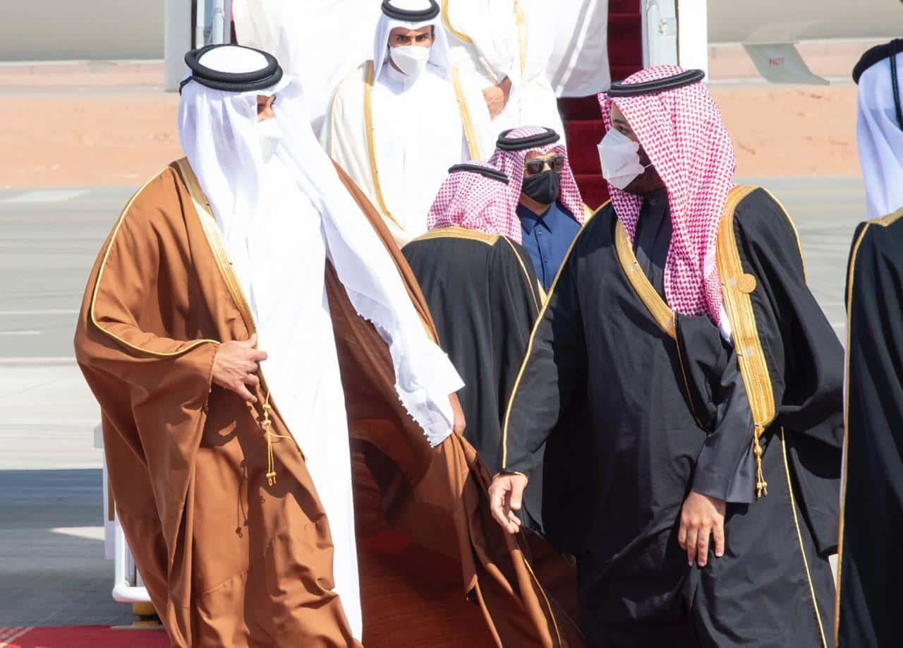 """""""التايمز"""" البريطانية تفضح ابن سلمان وتكشف أسباب اندفاعه للمصالحة مع قطر .. ما علاقة بايدن!؟"""