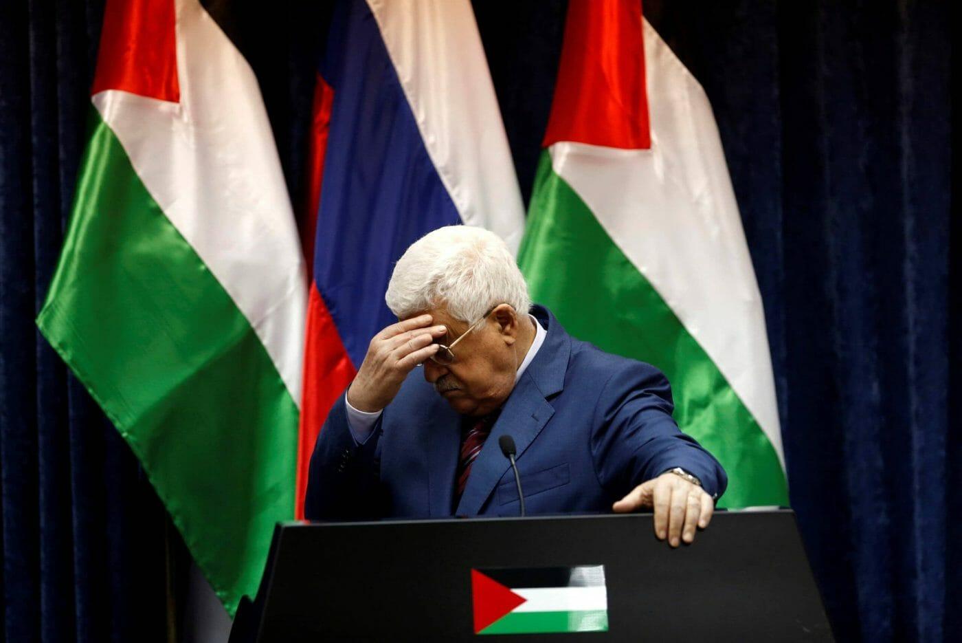 دحلان على قائمة الاحتياط في أبوظبي.. تقرير إسرائيلي يكشف كواليس الصراع على خلافة محمود عباس
