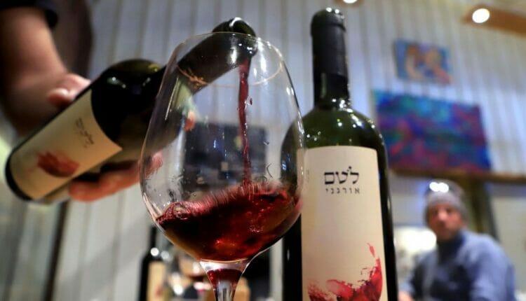 نبيذ المستوطنات يصل أسواق الإمارات