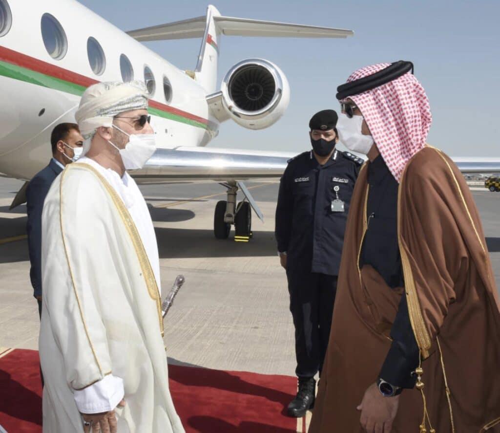 وزير الداخلية العماني في قطر لبحث التعاون الأمني