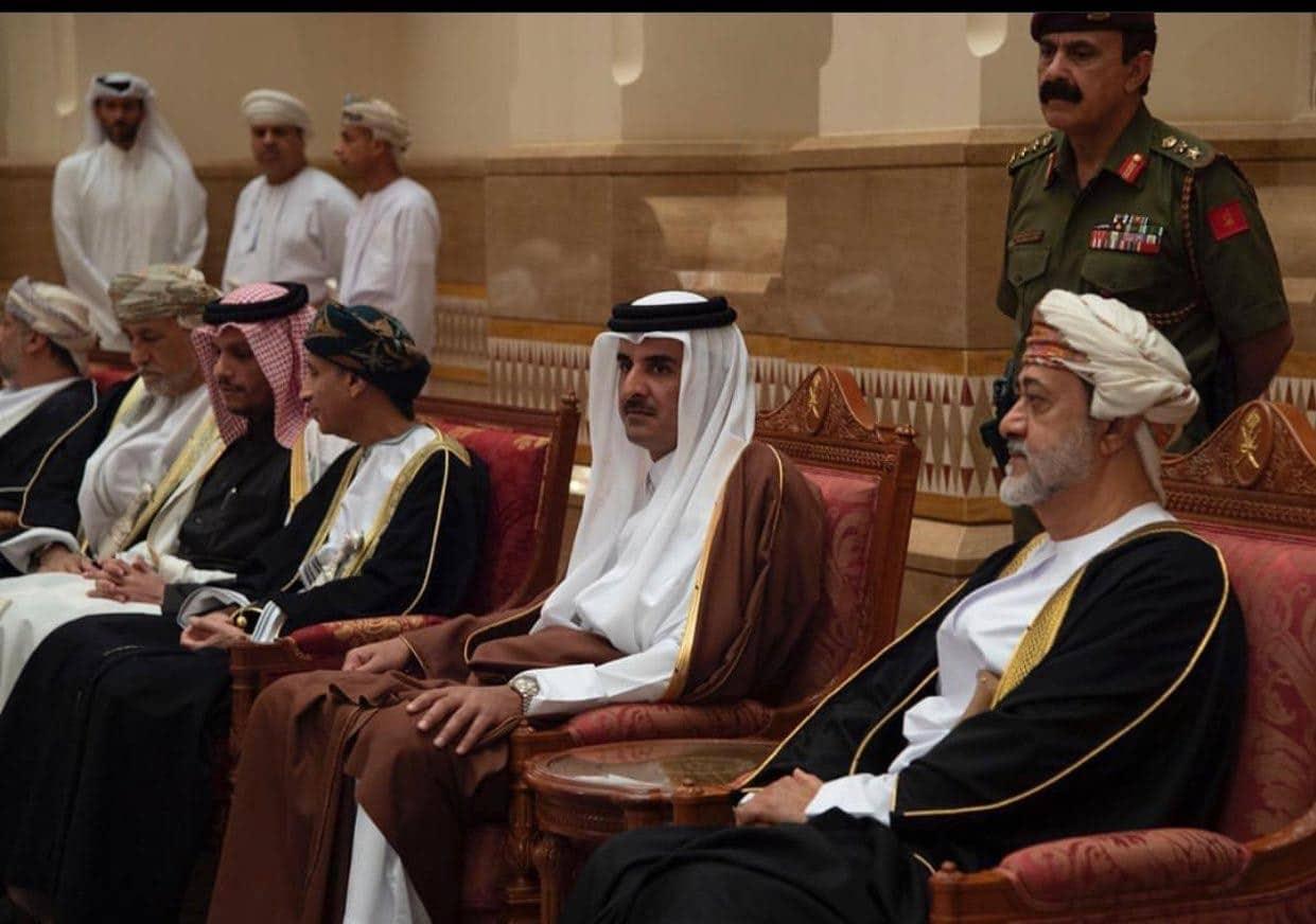 السلطان هيثم ينجح في حل أزمة البحارة البحرينيين مع قطر