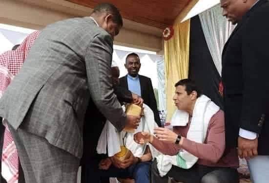 """ناشطون """"يقرأون الفاتحة"""" على إثيوبيا بعد تسريب صور دحلان هناك وسخرية واسعة!"""
