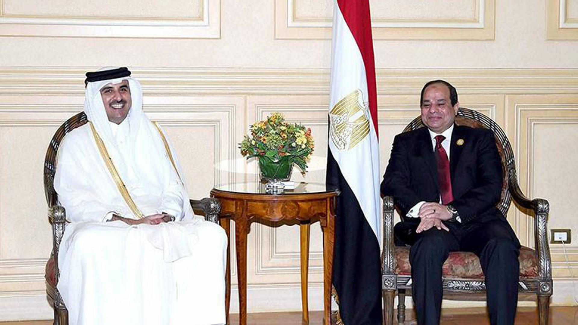 مندوبو السيسي يلتقون مسؤولين قطريين بالكويت