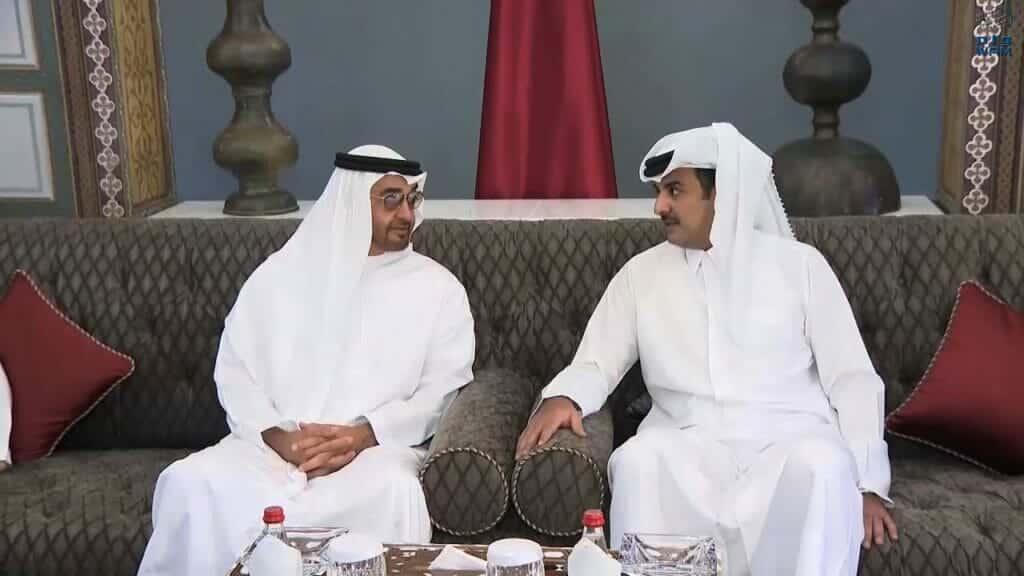 تفاصيل أول اجتماع من نوعه بين قطر والإمارات .. اللقاء تم في الكويت وهذا ما حدث