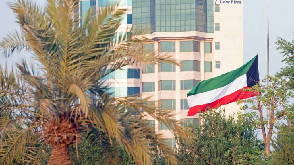 حكم قضائي كويتي يصدم الإمارات بعد انصافه الخبير الاستراتيجي خالد إبراهيم الصلال