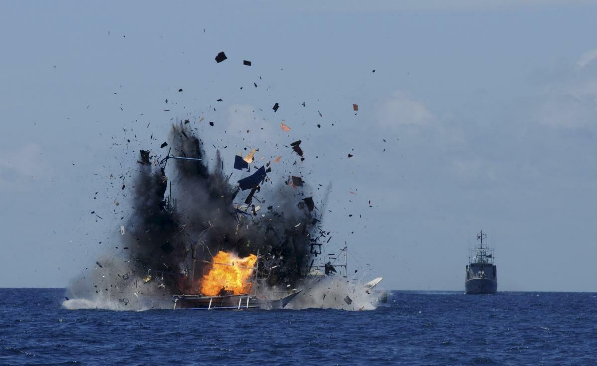 انفجار سفينة شحن مملوكة لشركة إسرائيلية في خليج عمان