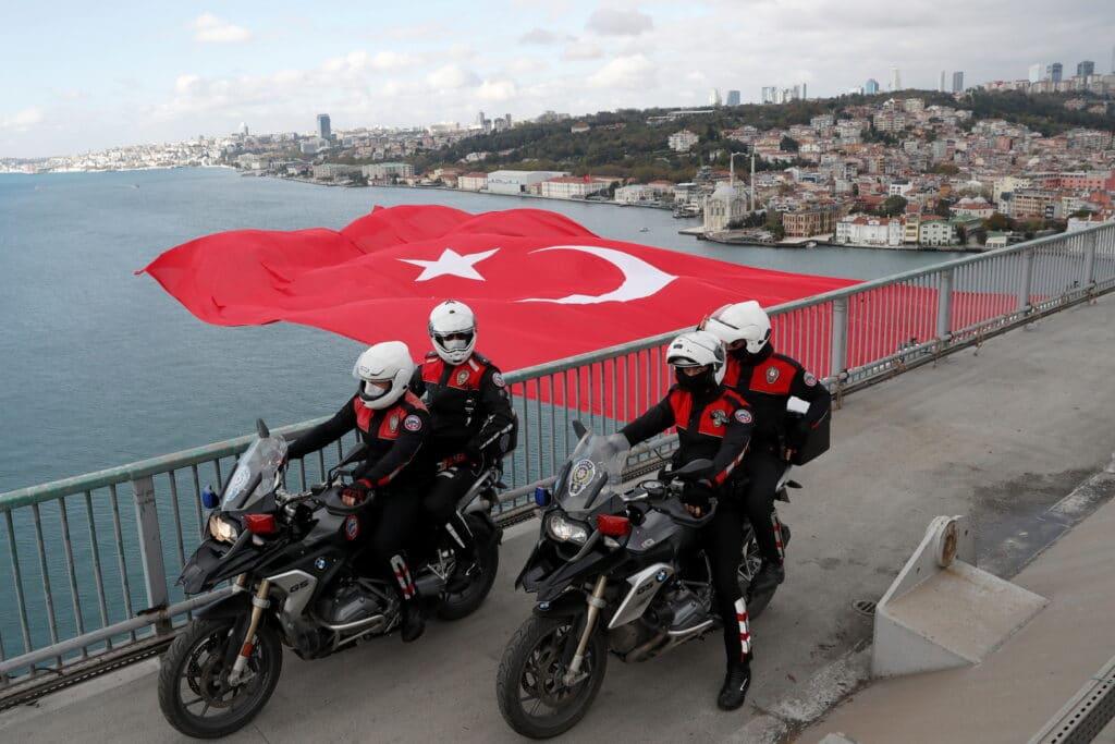 رجل أعمال قطري يروي تفاصيل اختطافه في تركيا وتهديده بمقطع اباحي وتقطيع جسده