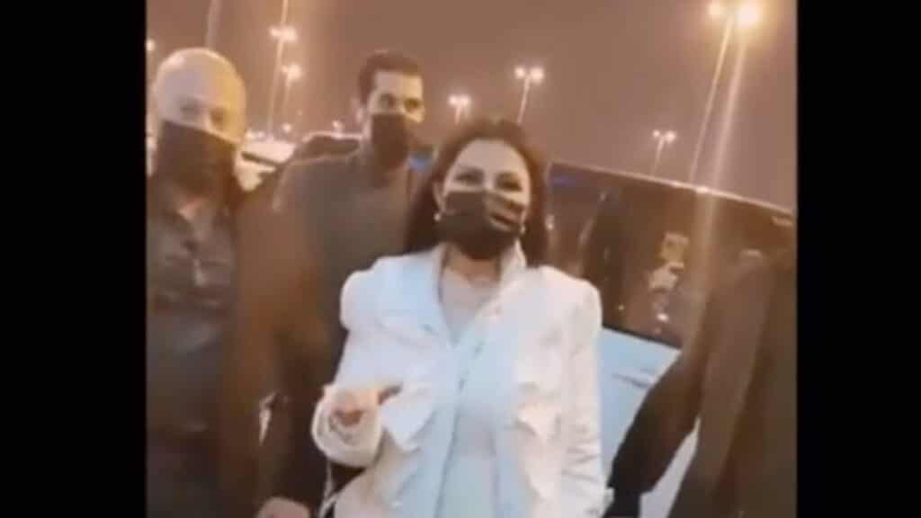 أحاط بها حراس شخصيين.. شاهد ماذا فعلت حليمة بولند وأثارت ضجة واسعة في الكويت!