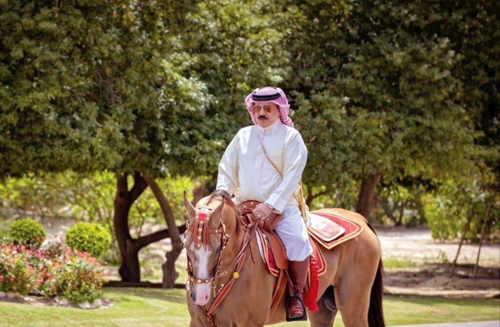 هكذا وضعت الإمارات ملك البحرين حمد بن عيسى في موقف لا يحسد عليه