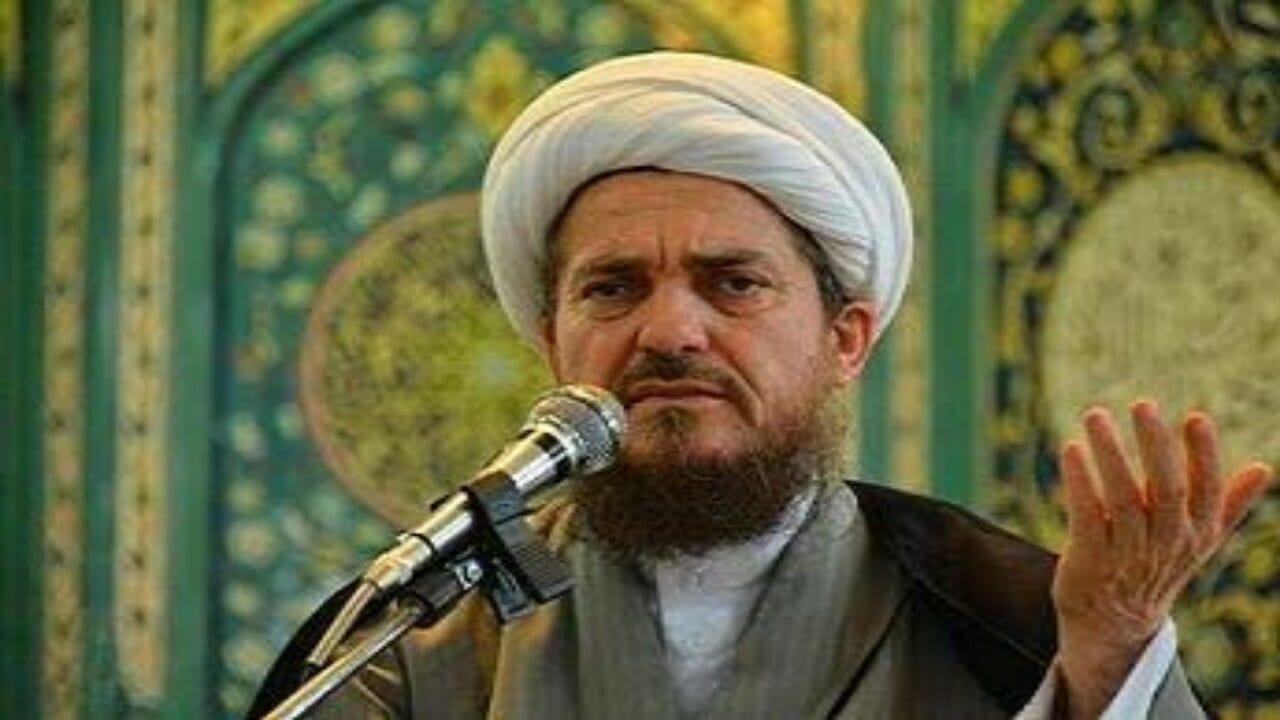 رجل الدين الإيراني عباس تبريزيان يحذر من تلقى لقاح كورونا
