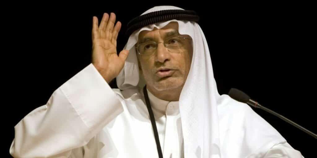 عبدالخالق عبدالله يعلن انتهاء شهر العسل
