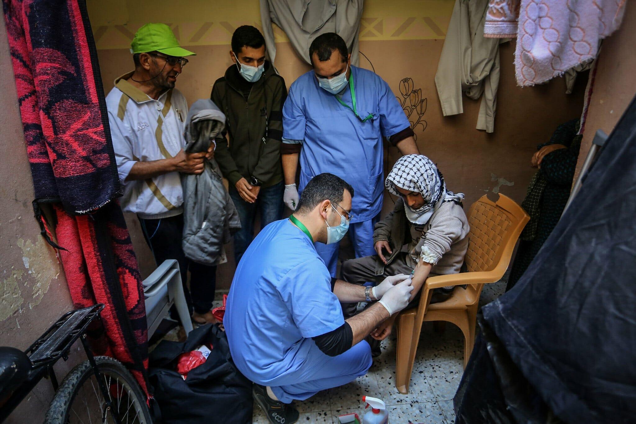 وطن تكشف فضيحة اللقاحات التي أرسلتها الإمارات لغزة