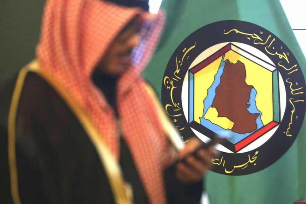 ماذا سيحدث لمجلس التعاون الخليجي .. تقرير يكشف أغرب سبب لبقائه على قيد الحياة!