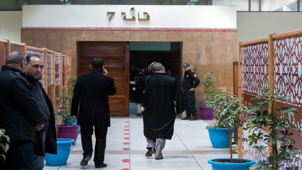 حكم نادر أصدرته محكمة مغربية في سابقة قضائية وهذا ما ألزمت به أحد الرجال المتزوجين