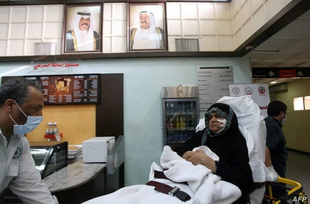 كويتي فقد اعصابه واعتدى بالضرب على طبيب منعه من زيارة قريبته المصابة بكورونا!