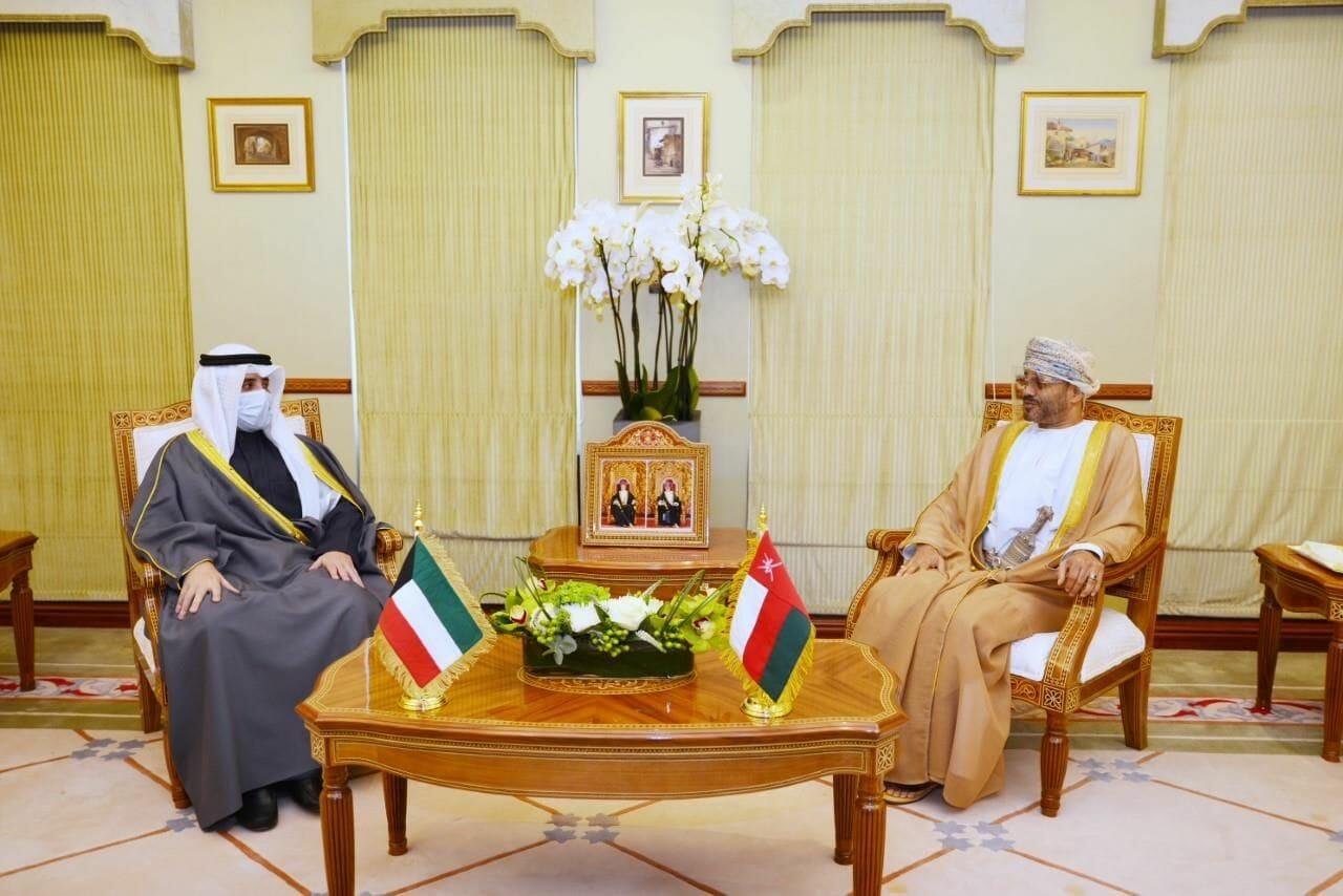 وزير خارجية سلطنة عمان يستقبل نظيره الكويتي