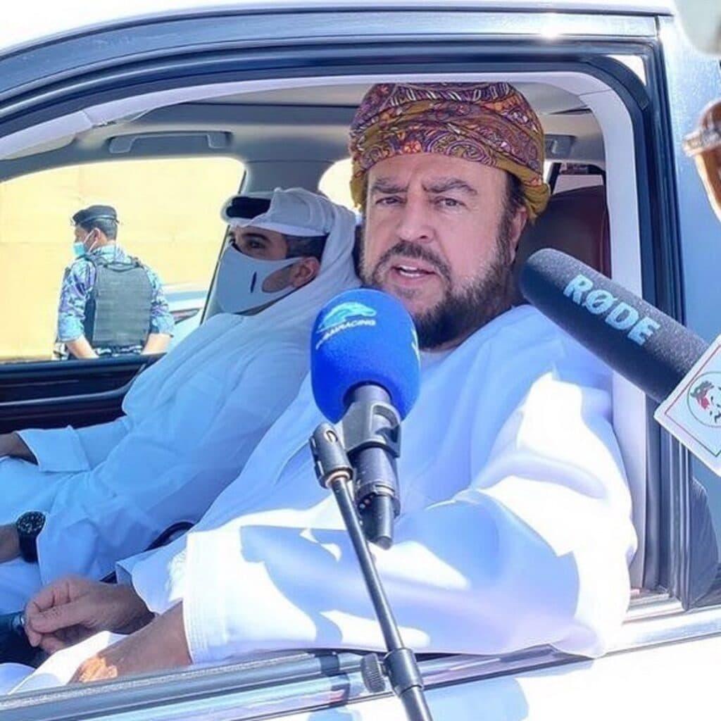 اسعد بن طارق يشارك في مهرجان البشائر للهجن