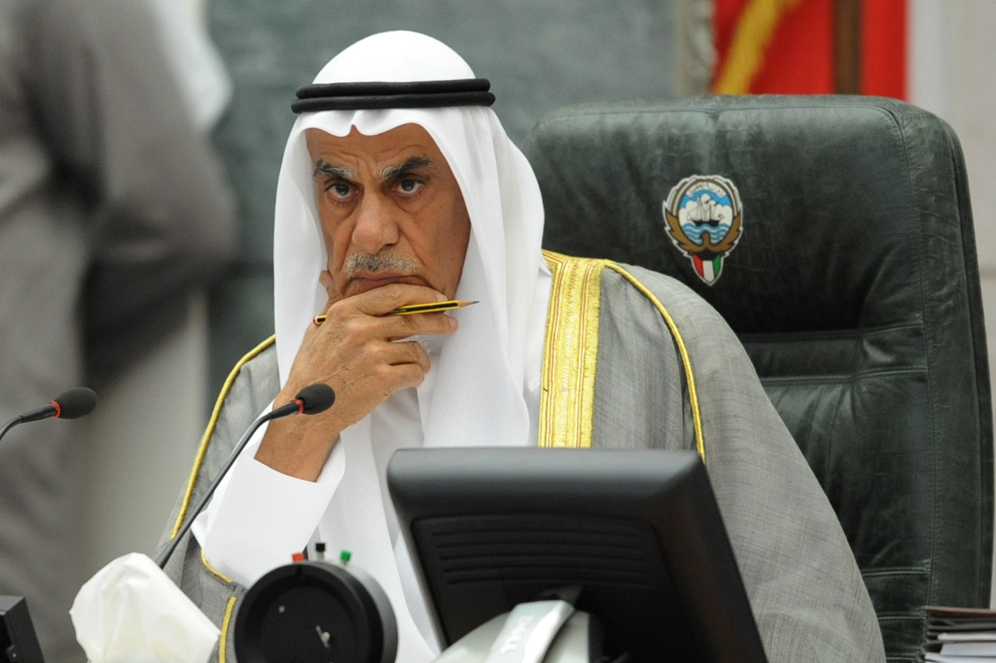 """""""اسكت يا تراب"""".. عندما عنف أحمد السعدون ممثل العراق بالبرلمان الدولي عقب تطاوله على الكويت"""