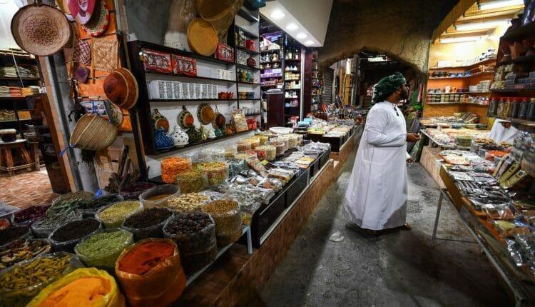 عمان وضريبة القيمة المضافة