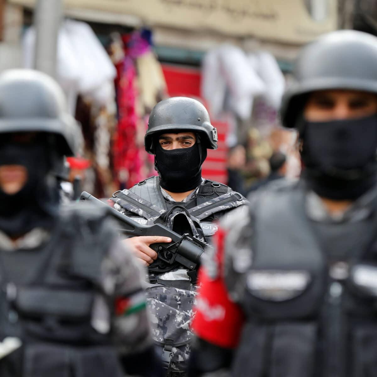 جريمة تهز لواء الجفر بعد قتل أردني لطفلتيه