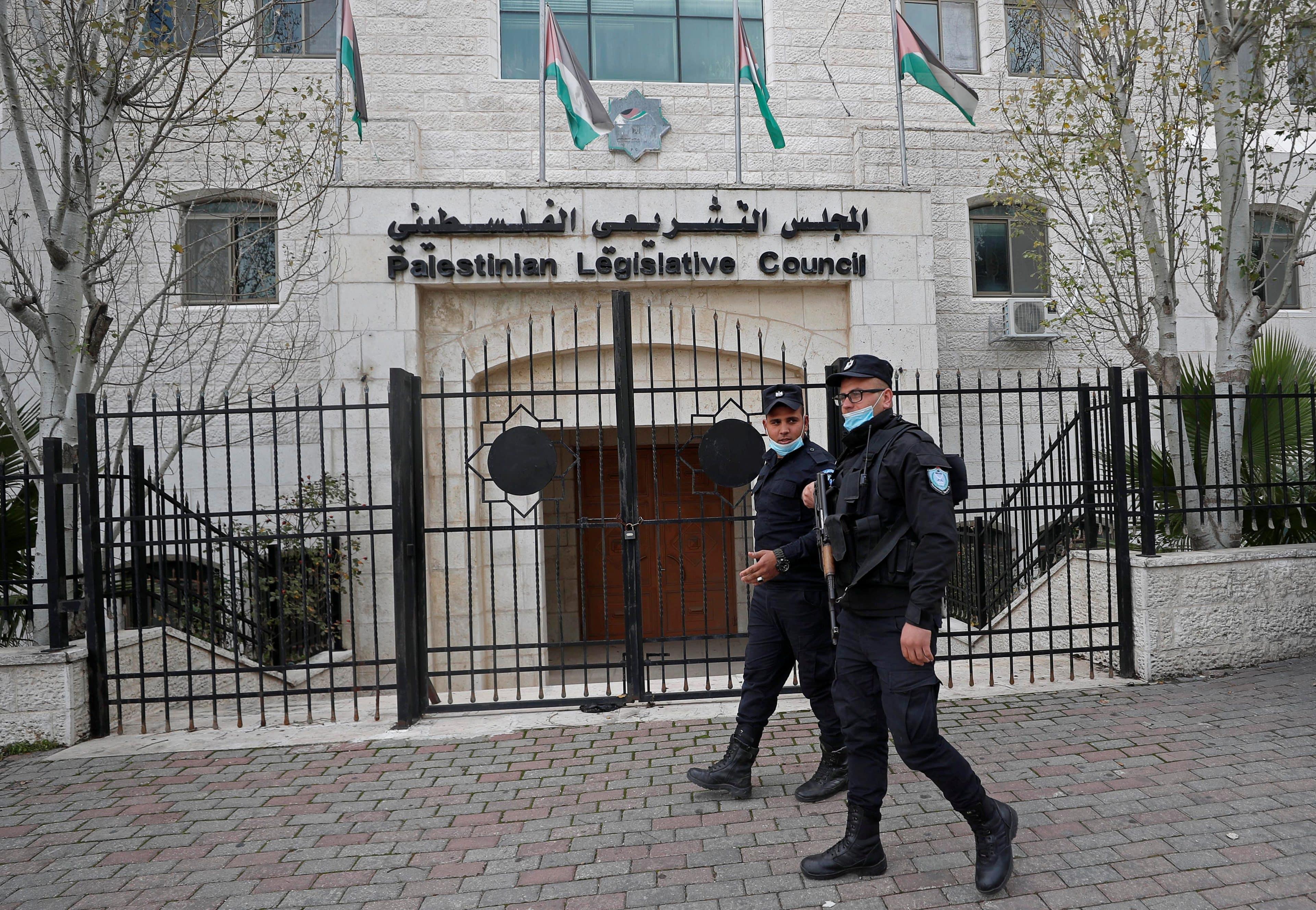 وطن تكشف كواليس الانتخابات الفلسطينية ودعم الامارات لدحلان