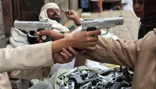 مزاعم بتهريب اسلحة الحوثيين عبر سلطنة عمان