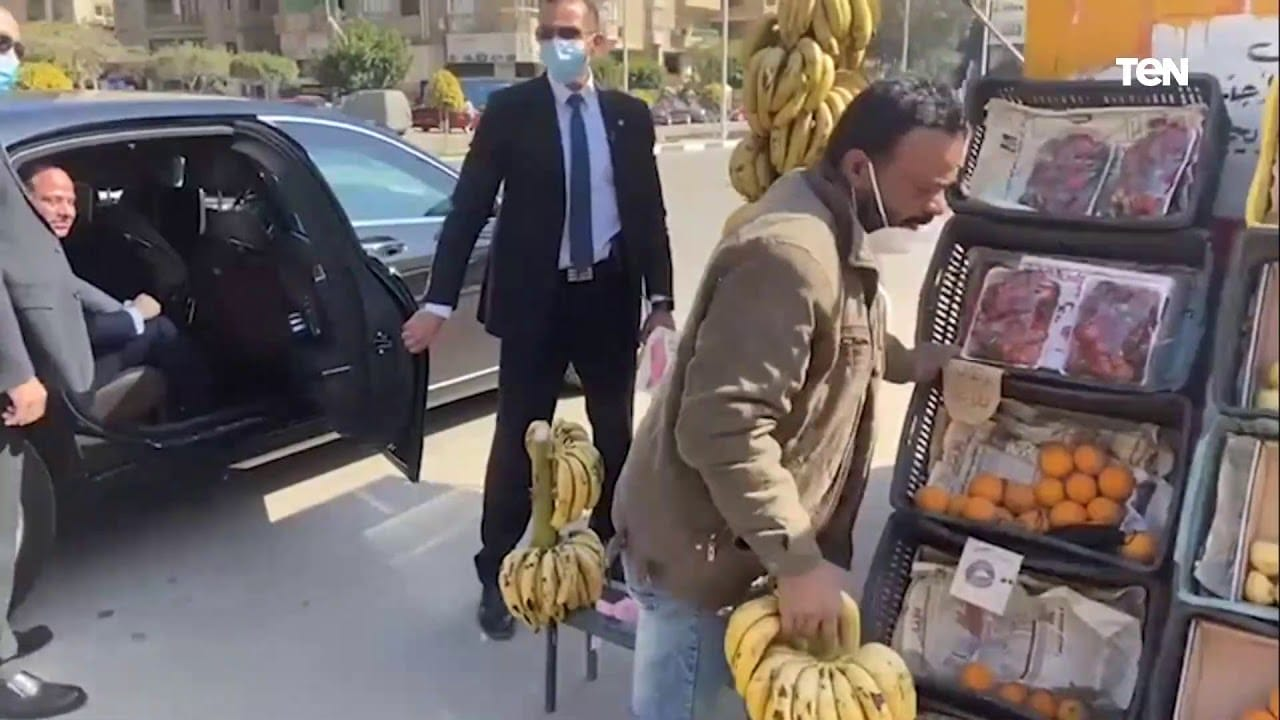 عبدالفتاح السيسي وبائع الموز