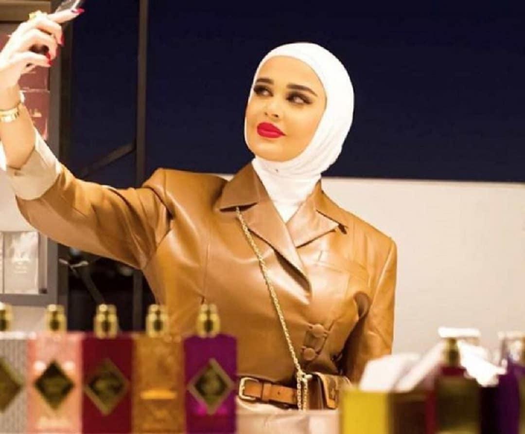 هذه هي الفاشنيستا الكويتية الذي حاول والدها تهريب ذهبها إلى دبي