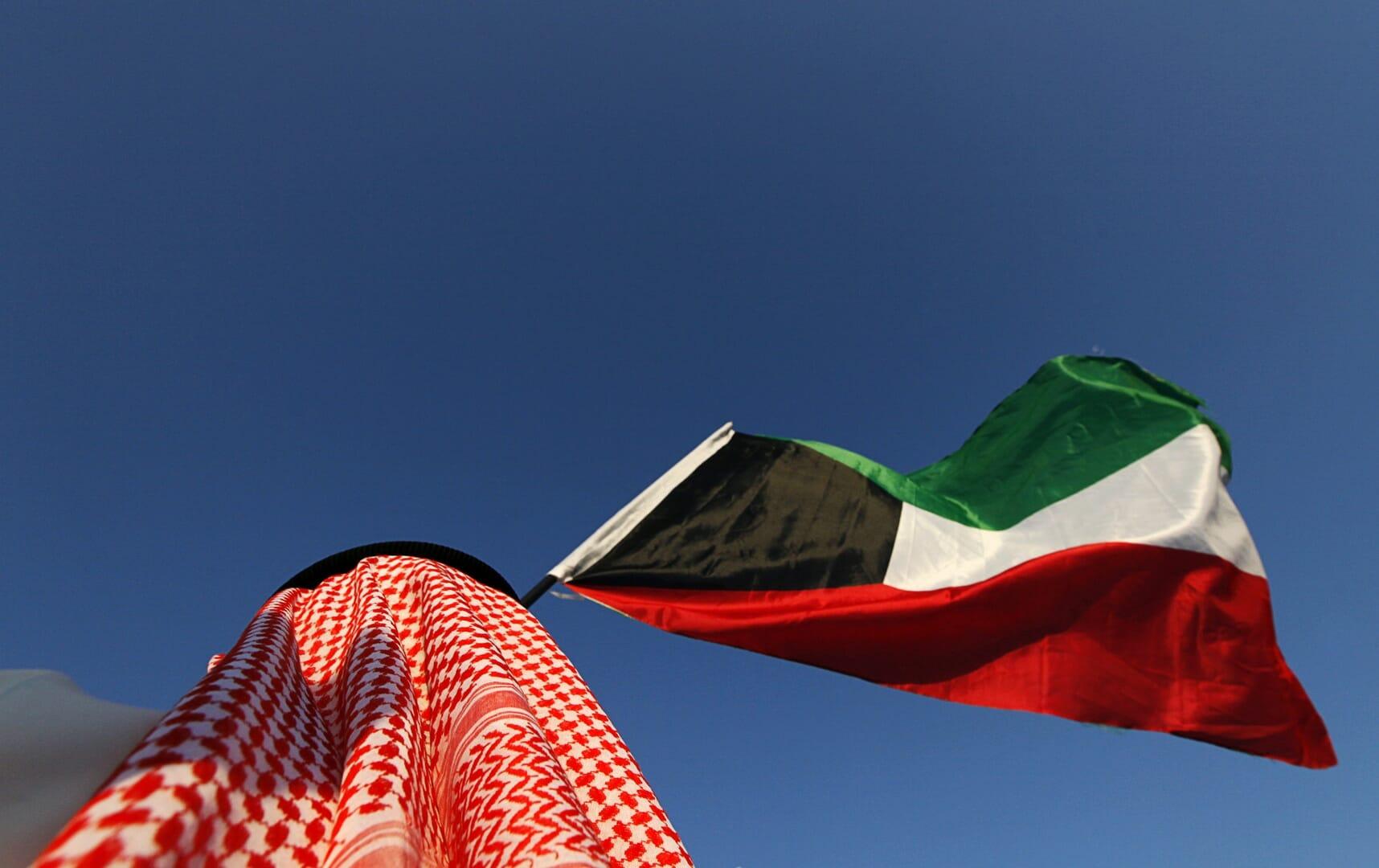 """""""فنان لبناني يسهّل الدعارة لشيخ كويتي مع 3 فتيات"""".. هذه حقيقة القضية التي ردّت عليها سفارة الكويت"""